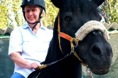 80 anni un compleanno a cavallo
