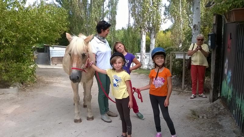 Bimbi Bielorussi sul cavallo